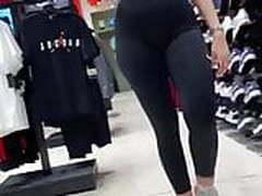Camel toe in portuguese store